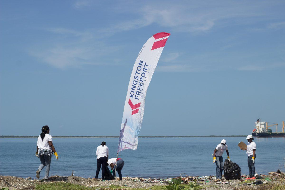 Beach-Clean-Up11-1200x800.jpg
